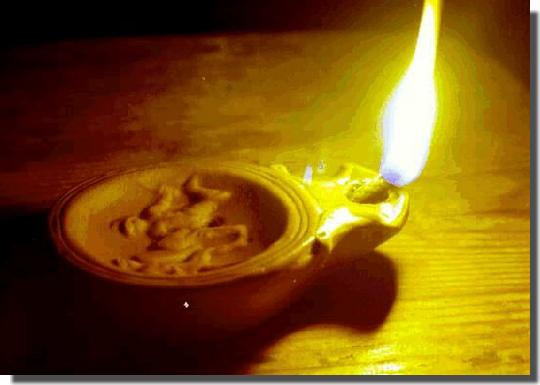 """Neuvaine à l'Esprit Saint pour préparer la fête de la Pentecôte """"9ème jour"""" - Page 2 Lampe-huile-01"""
